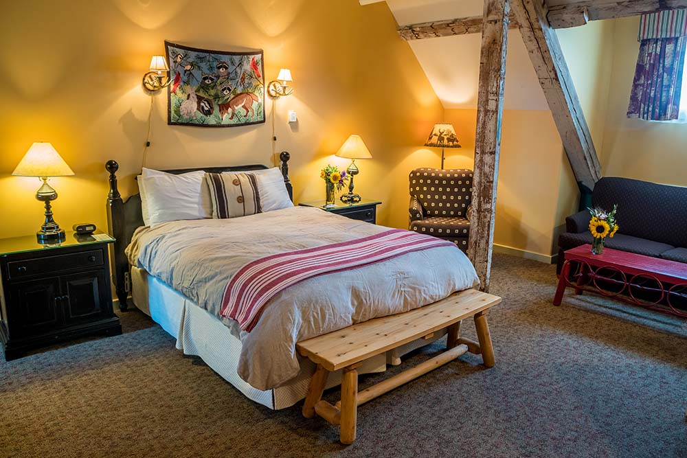 Cozy Cabin Furniture Plymouth Nh Settler Log Home A Rustic Cabin In Prestigious Yellowstone
